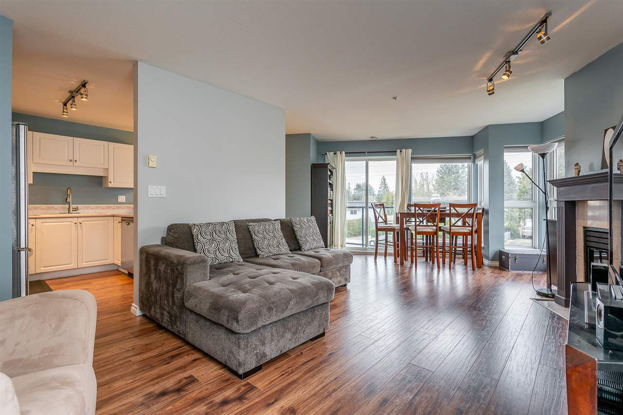 """Main Photo: 204 20277 53 Avenue in Langley: Langley City Condo for sale in """"The Metro II"""" : MLS®# R2347214"""