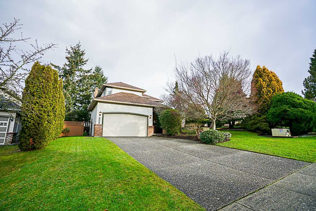 "Main Photo: 15397 80 Avenue in Surrey: Fleetwood Tynehead House for sale in ""FAIRWAY PARK"" : MLS®# R2349827"