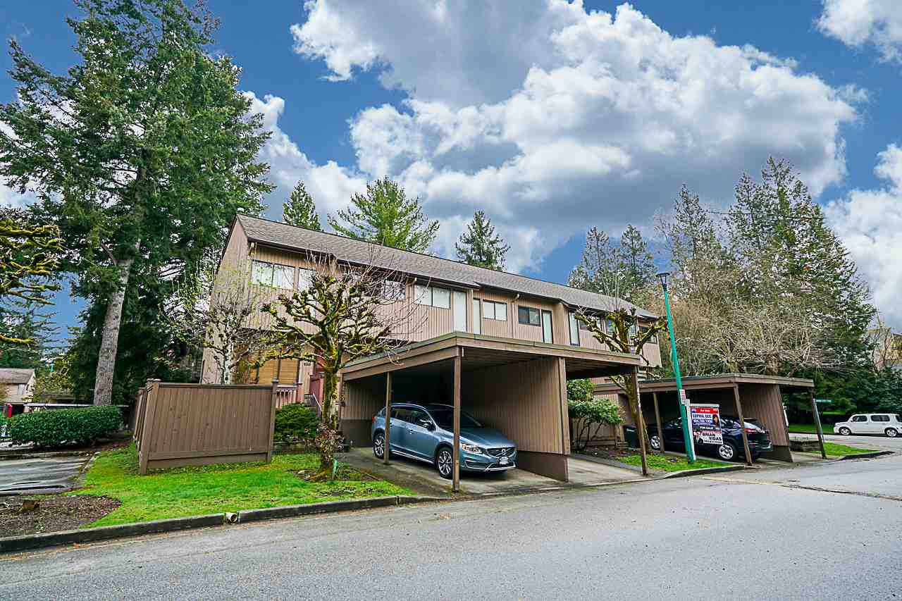 Main Photo: 4278 BIRCHWOOD Crescent in Burnaby: Greentree Village Townhouse for sale (Burnaby South)  : MLS®# R2355647