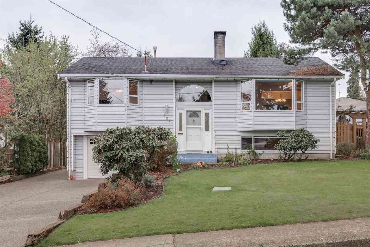 Main Photo: 324 HOULT Street in New Westminster: The Heights NW House for sale : MLS®# R2356619
