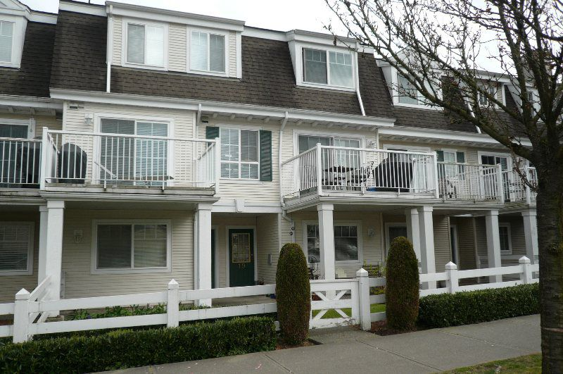 Main Photo: 19 8930 Walnut Grove Drive in Langley: Walnut Grove Townhouse for sale : MLS®# F1307442