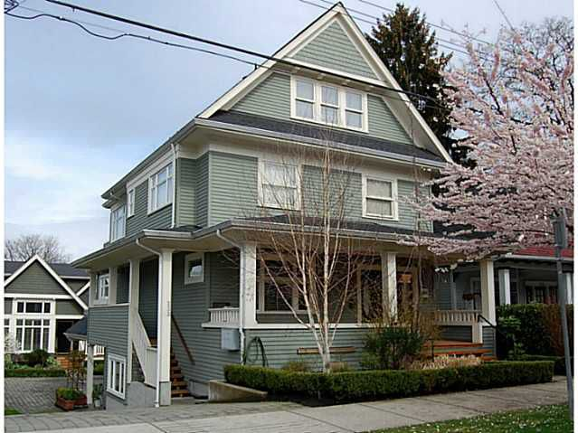 """Main Photo: 235 W 11TH Avenue in Vancouver: Mount Pleasant VW Townhouse for sale in """"MOUNT PLEASANT"""" (Vancouver West)  : MLS®# V1048785"""