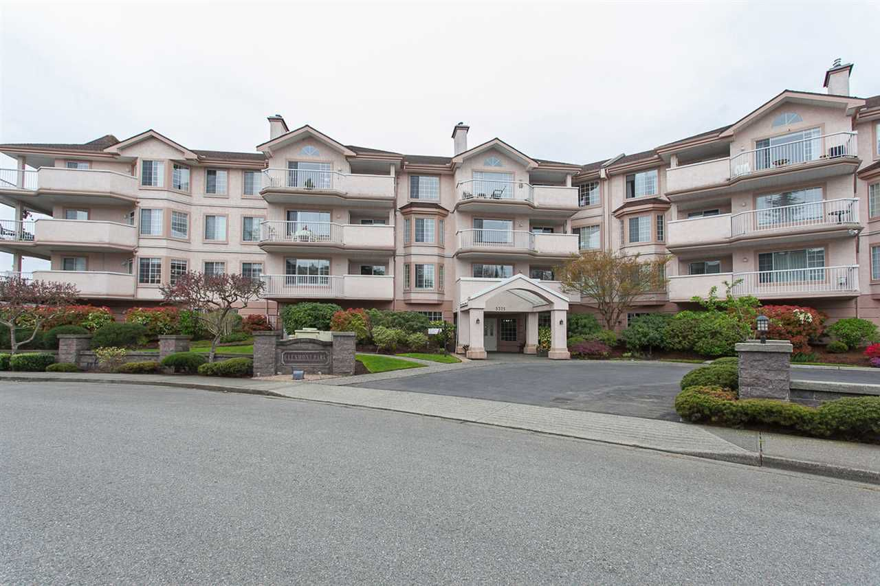 """Main Photo: 205 5375 205 Street in Langley: Langley City Condo for sale in """"GLENMONT PARK"""" : MLS®# R2086758"""