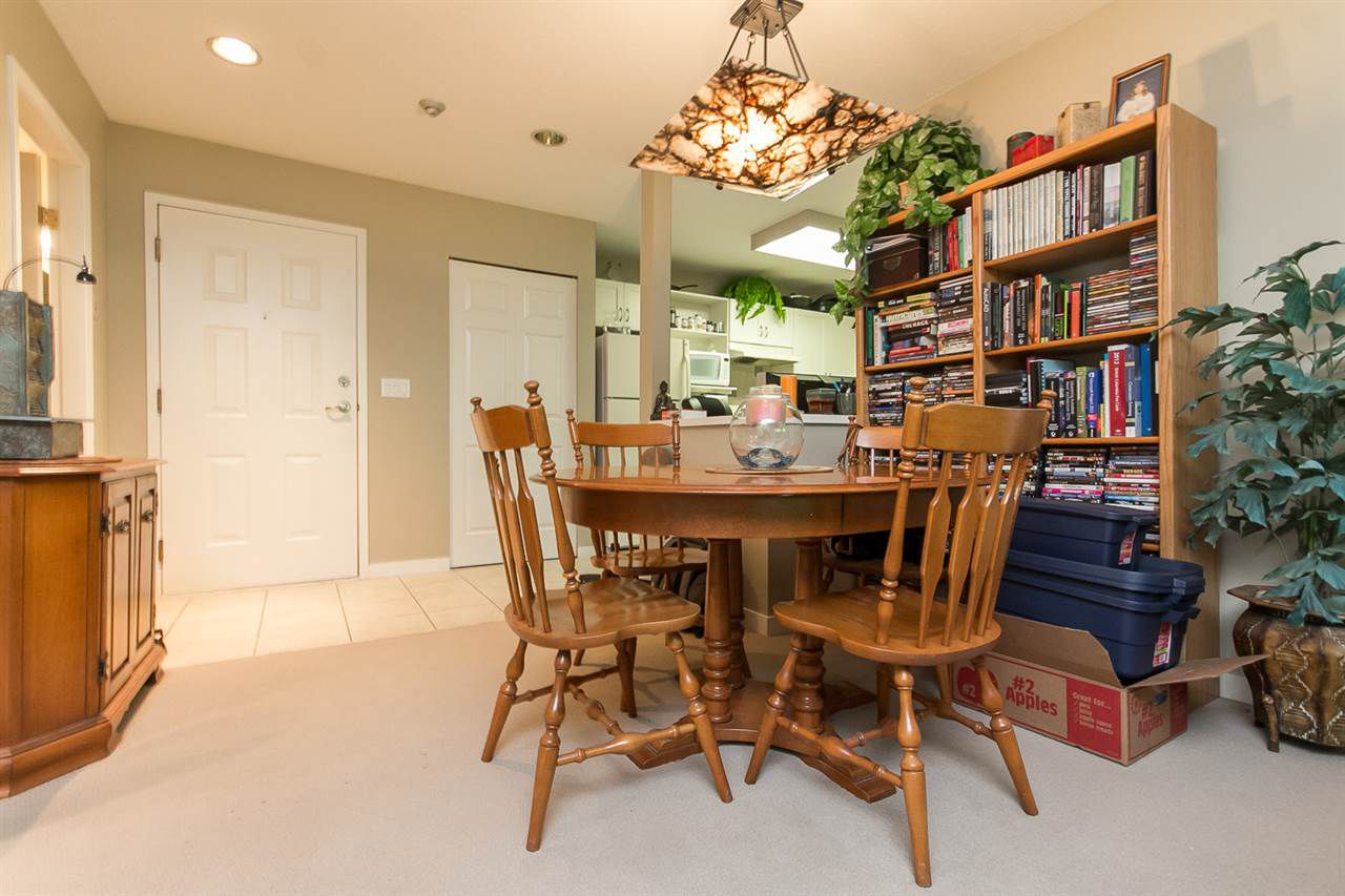 """Photo 12: Photos: 316 2700 MCCALLUM Road in Abbotsford: Central Abbotsford Condo for sale in """"The Seasons"""" : MLS®# R2088623"""