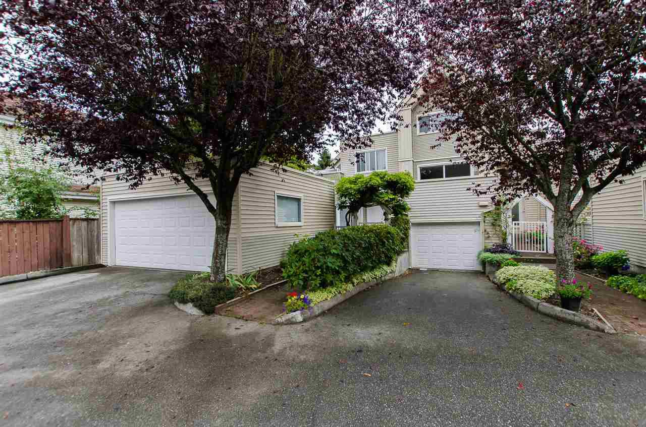 """Main Photo: 1 5635 LADNER TRUNK Road in Delta: Hawthorne Townhouse for sale in """"Hawthorne"""" (Ladner)  : MLS®# R2106252"""