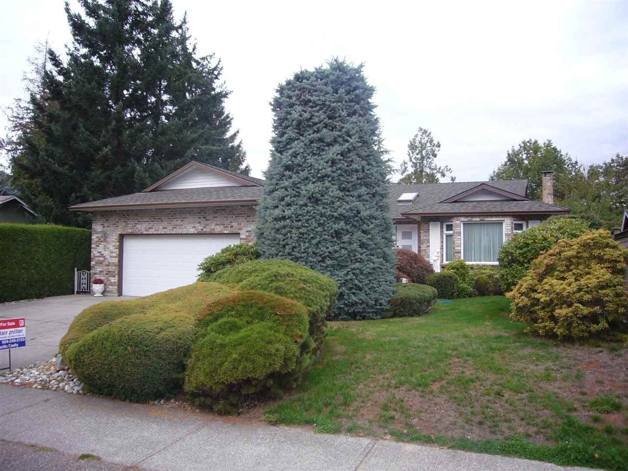 """Main Photo: 1937 SOUTHMERE Crescent in Surrey: Sunnyside Park Surrey House for sale in """"Southmere"""" (South Surrey White Rock)  : MLS®# R2212474"""