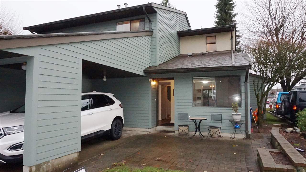 "Main Photo: 25 20653 THORNE Avenue in Maple Ridge: Southwest Maple Ridge Townhouse for sale in ""THORNEBERRY GARDENS"" : MLS®# R2224503"