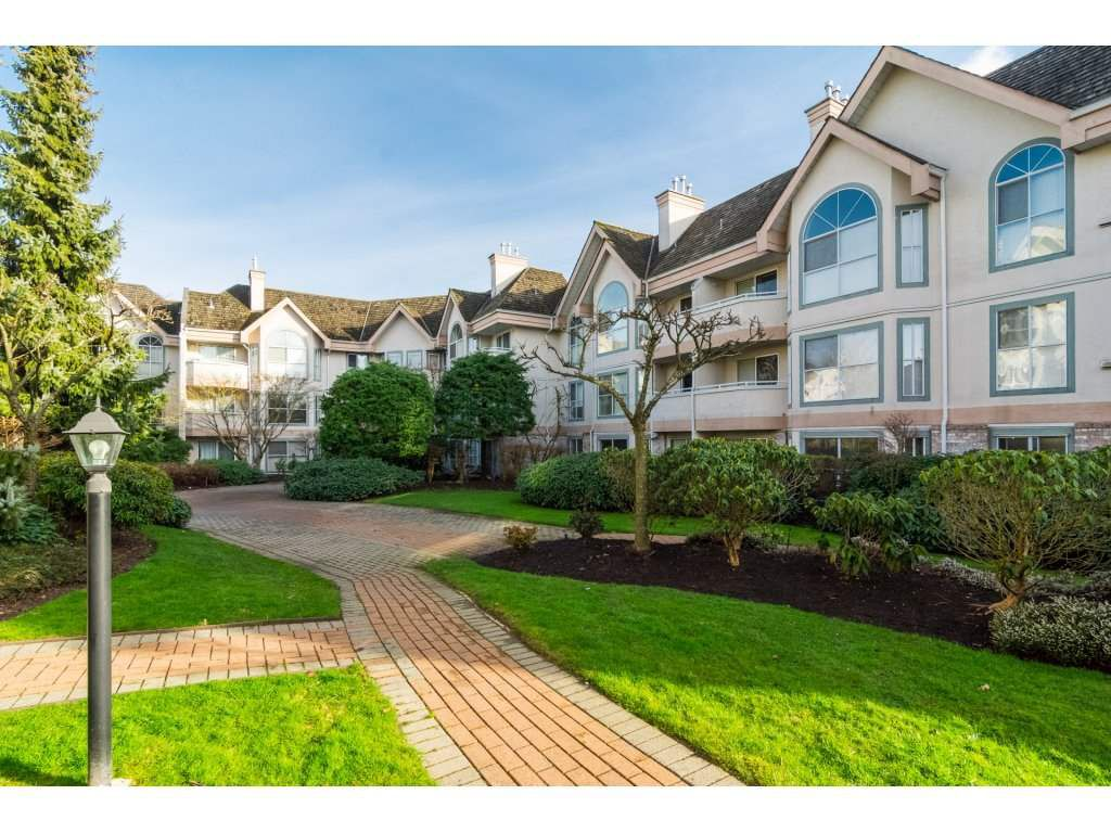 Main Photo: 113 7151 121 STREET in Surrey: West Newton Condo for sale : MLS®# R2241246