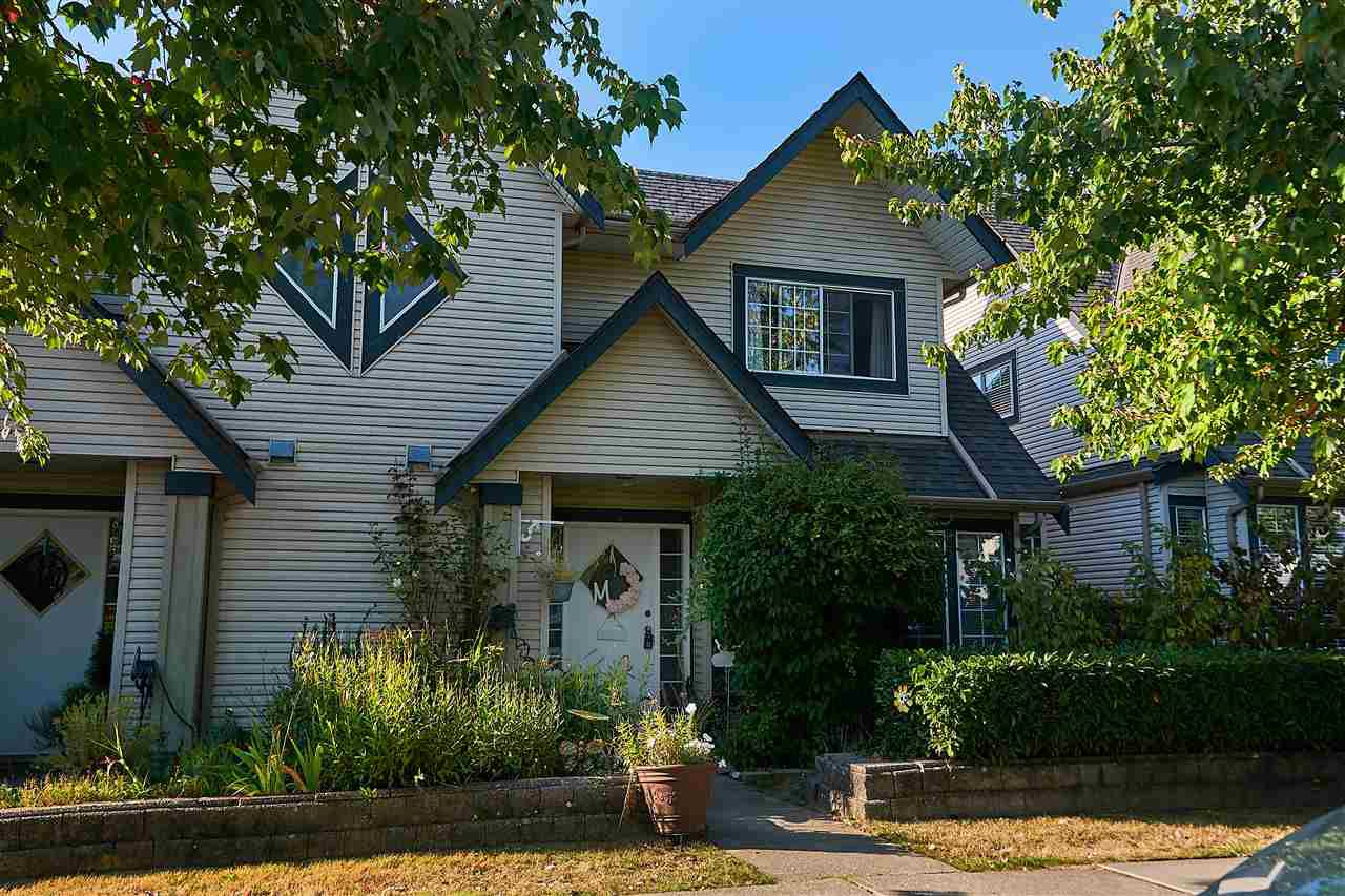 "Main Photo: 19 11536 236 Street in Maple Ridge: Cottonwood MR Townhouse for sale in ""KANAKA MEWS"" : MLS®# R2301536"