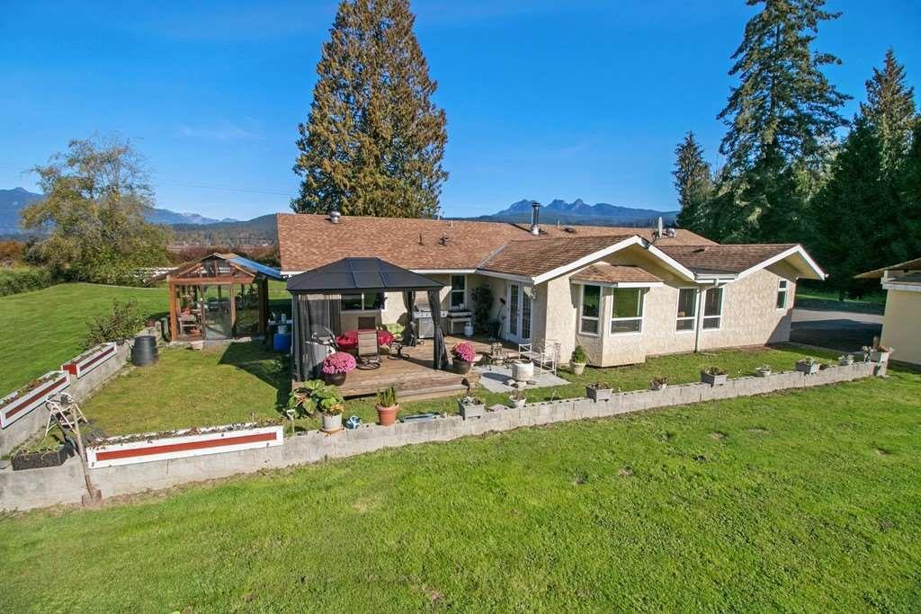 Main Photo: 22210 136 Avenue in Maple Ridge: North Maple Ridge House for sale : MLS®# R2315206