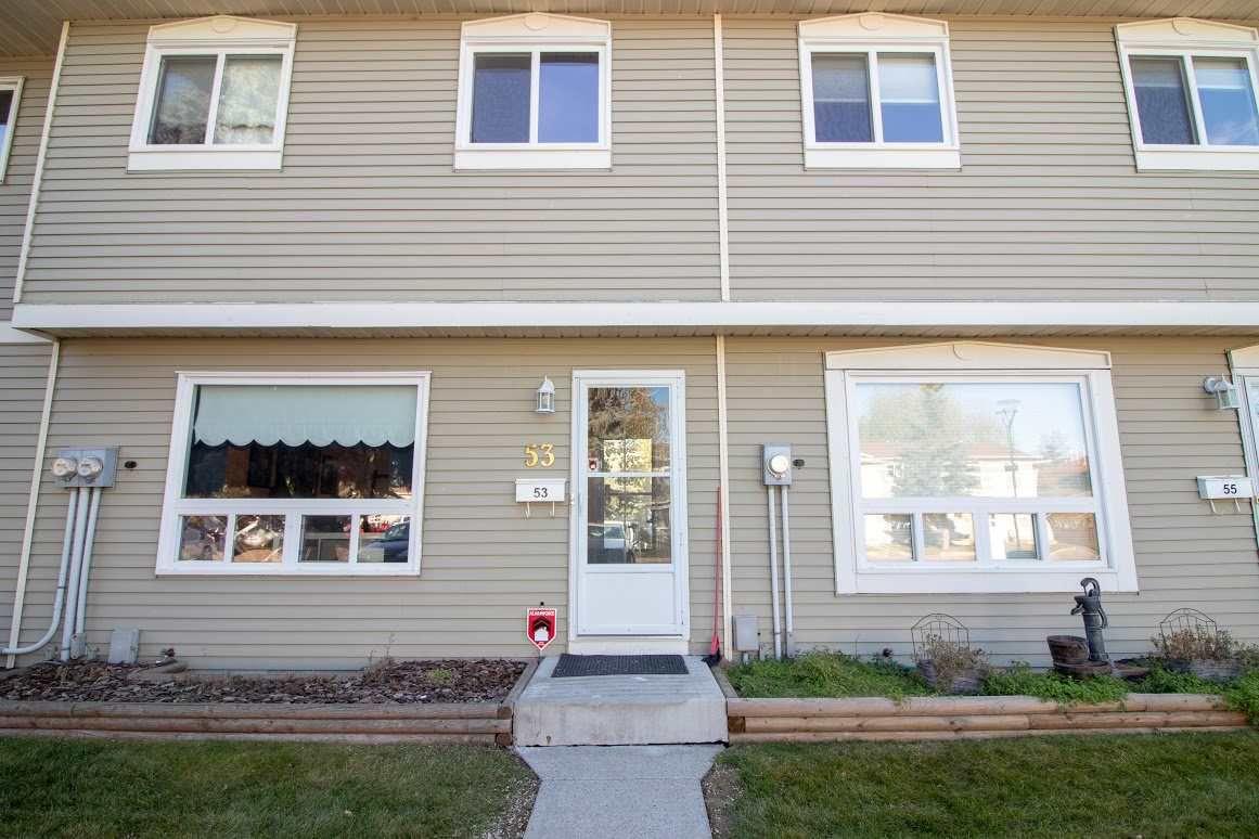 Main Photo: 53 2131 Oak Street: Sherwood Park Townhouse for sale : MLS®# E4133433