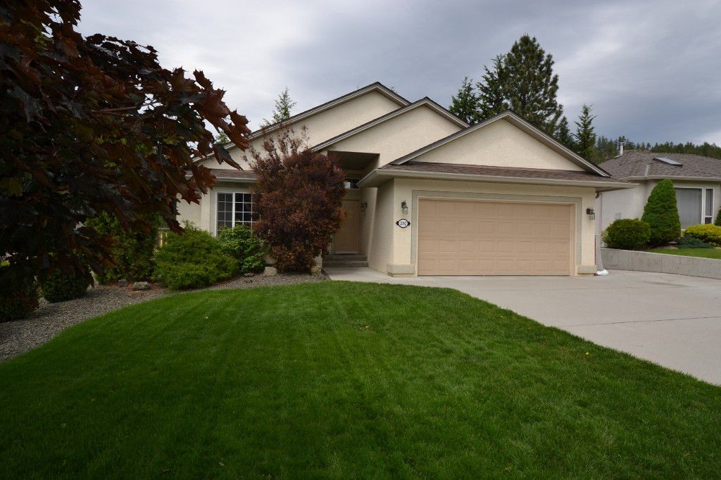 Main Photo: 2092 Sunview Drive in West Kelowna: West Kelowna Estates Residential Detached for sale (Central Okanagan)  : MLS®# 10065599