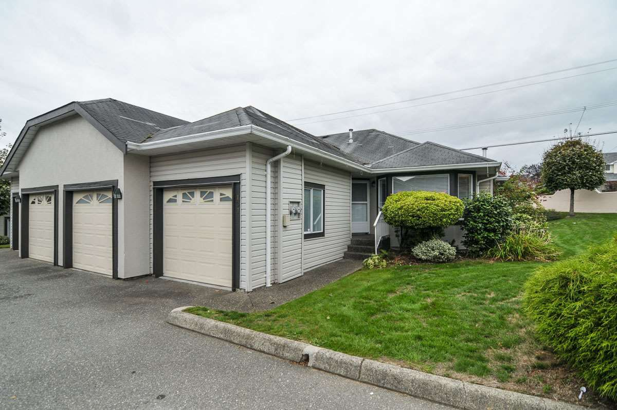 "Main Photo: 101 3160 TOWNLINE Road in Abbotsford: Abbotsford West Townhouse for sale in ""SOUTHPOINT RIDGE"" : MLS®# R2022408"