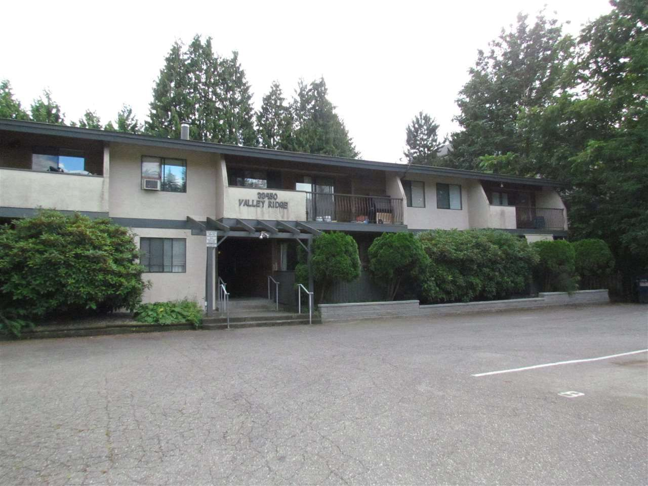 """Main Photo: 303 33450 GEORGE FERGUSON Way in Abbotsford: Central Abbotsford Condo for sale in """"Valley Ridge"""" : MLS®# R2089583"""