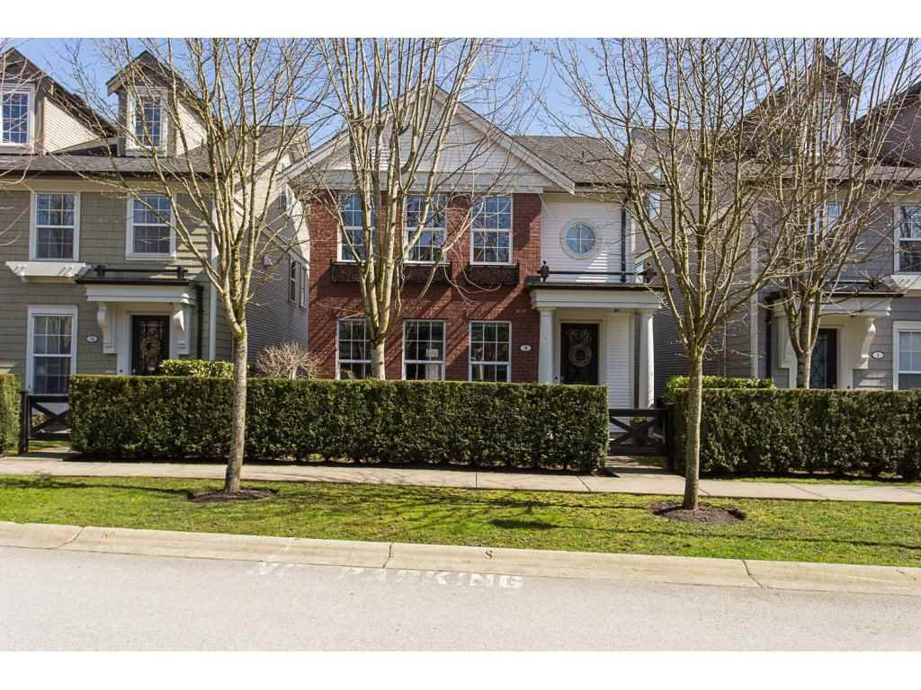 """Main Photo: 9 19490 FRASER Way in Pitt Meadows: South Meadows Townhouse for sale in """"KINGFISHER"""" : MLS®# R2153170"""