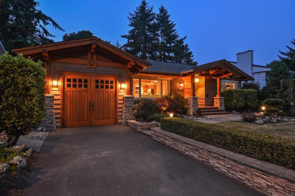 Main Photo: 15489 OXENHAM AVENUE: White Rock House for sale (South Surrey White Rock)  : MLS®# R2196040