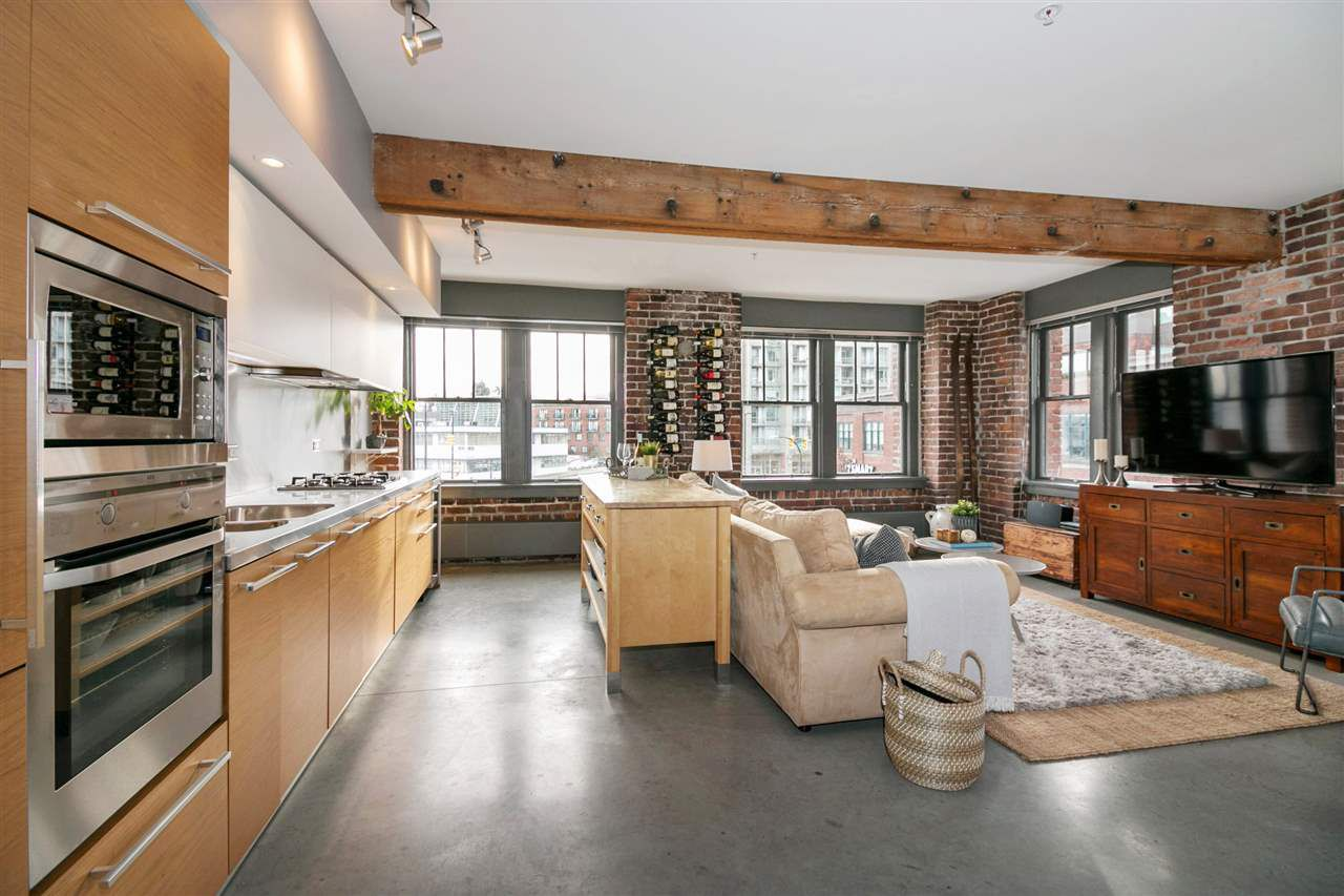 """Main Photo: 311 388 W 1ST Avenue in Vancouver: False Creek Condo for sale in """"THE EXCHANGE"""" (Vancouver West)  : MLS®# R2230217"""