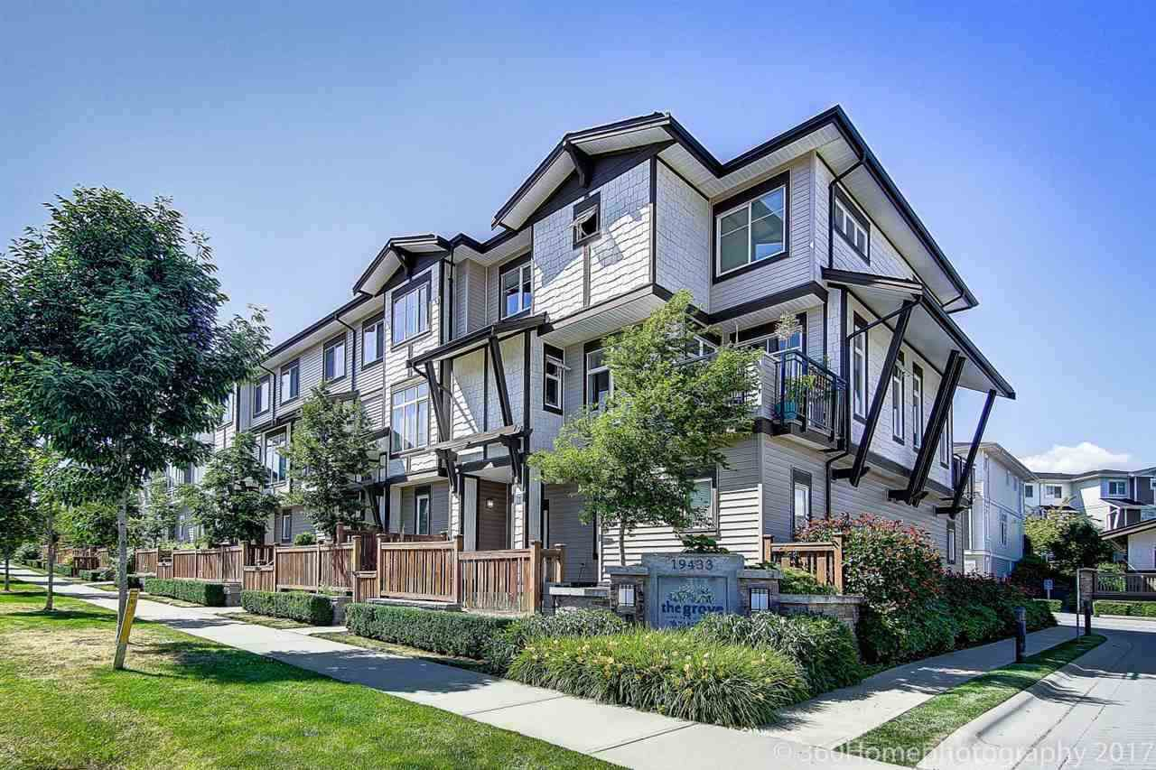 Main Photo: 48 19433 68 Avenue in Surrey: Clayton Townhouse for sale (Cloverdale)  : MLS®# R2247195