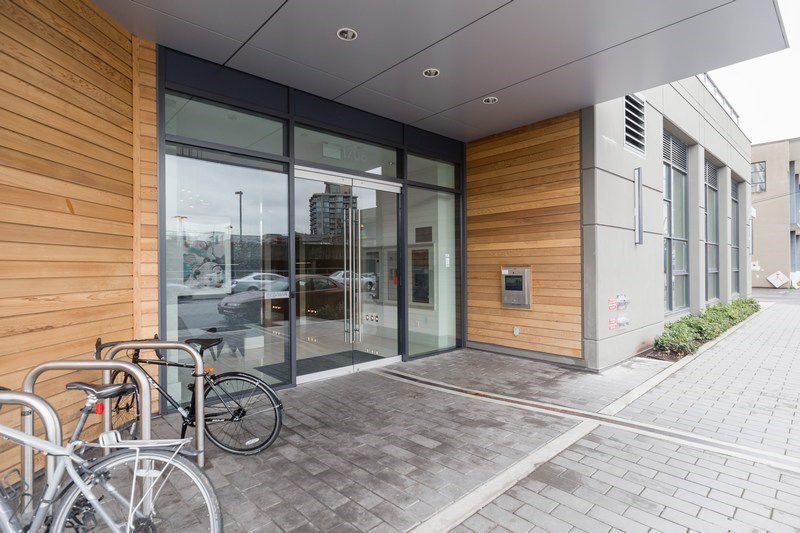 Main Photo: 910 1708 COLUMBIA STREET in : False Creek Condo for sale (Vancouver West)  : MLS®# R2220046