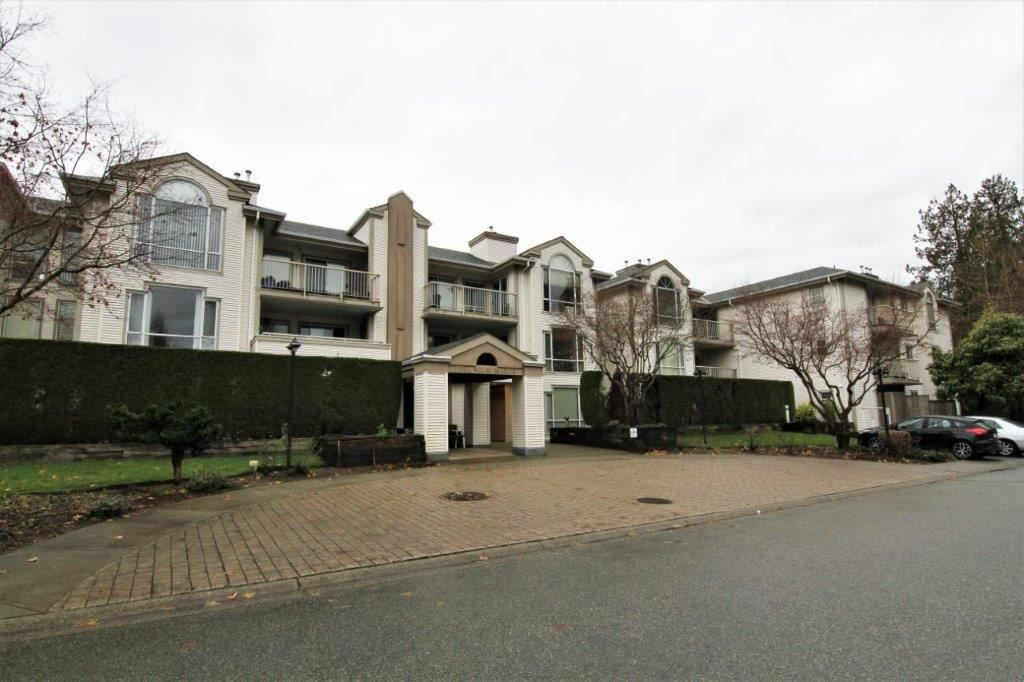 "Main Photo: 202 19122 122 Avenue in Pitt Meadows: Central Meadows Condo for sale in ""EDGEWOOD MANOR"" : MLS®# R2330106"