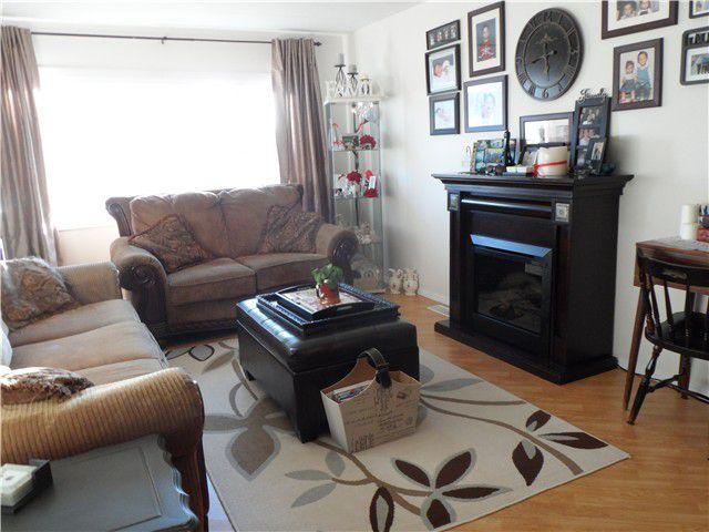 Main Photo: 9215 76TH Street in Fort St. John: Fort St. John - City SE Manufactured Home for sale (Fort St. John (Zone 60))  : MLS®# N237472