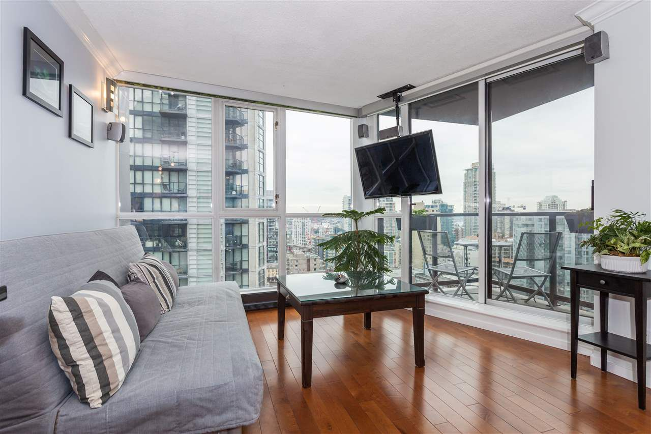 """Main Photo: 2008 1155 SEYMOUR Street in Vancouver: Downtown VW Condo for sale in """"BRAVA"""" (Vancouver West)  : MLS®# R2138571"""