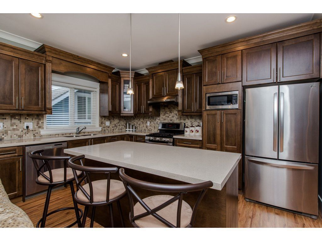 Photo 6: Photos: 45319 CRESCENT Drive in Chilliwack: Chilliwack W Young-Well House for sale : MLS®# R2221140