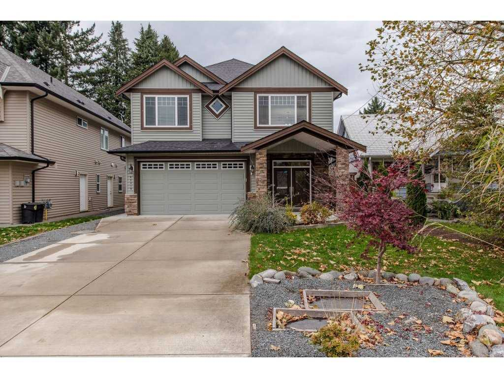 Photo 1: Photos: 45319 CRESCENT Drive in Chilliwack: Chilliwack W Young-Well House for sale : MLS®# R2221140