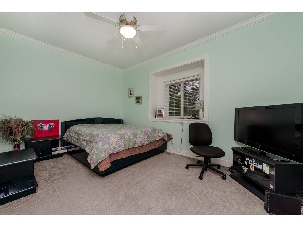 Photo 14: Photos: 45319 CRESCENT Drive in Chilliwack: Chilliwack W Young-Well House for sale : MLS®# R2221140