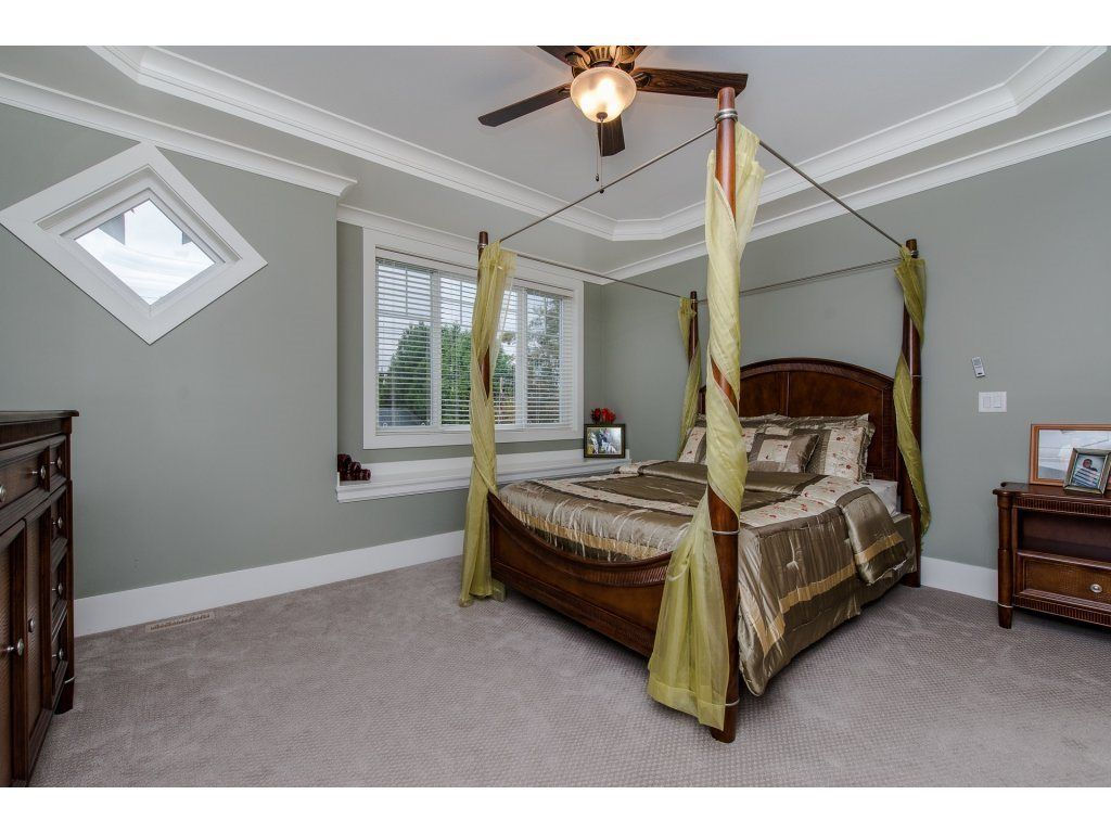 Photo 11: Photos: 45319 CRESCENT Drive in Chilliwack: Chilliwack W Young-Well House for sale : MLS®# R2221140