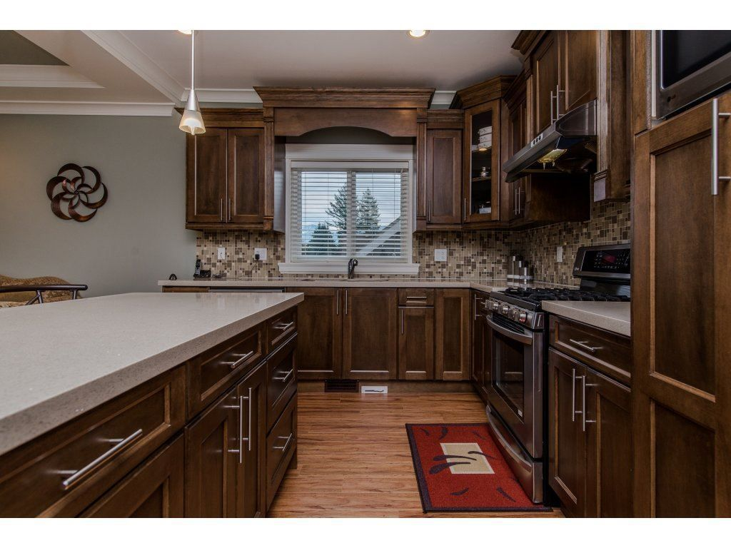 Photo 7: Photos: 45319 CRESCENT Drive in Chilliwack: Chilliwack W Young-Well House for sale : MLS®# R2221140
