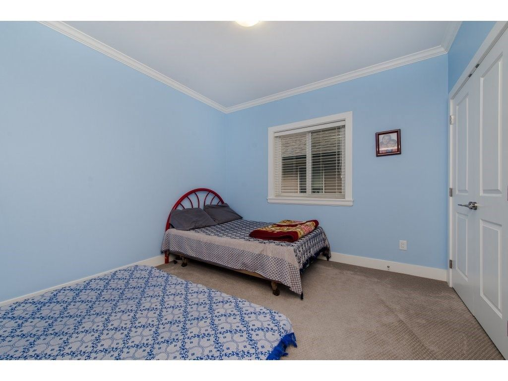 Photo 13: Photos: 45319 CRESCENT Drive in Chilliwack: Chilliwack W Young-Well House for sale : MLS®# R2221140