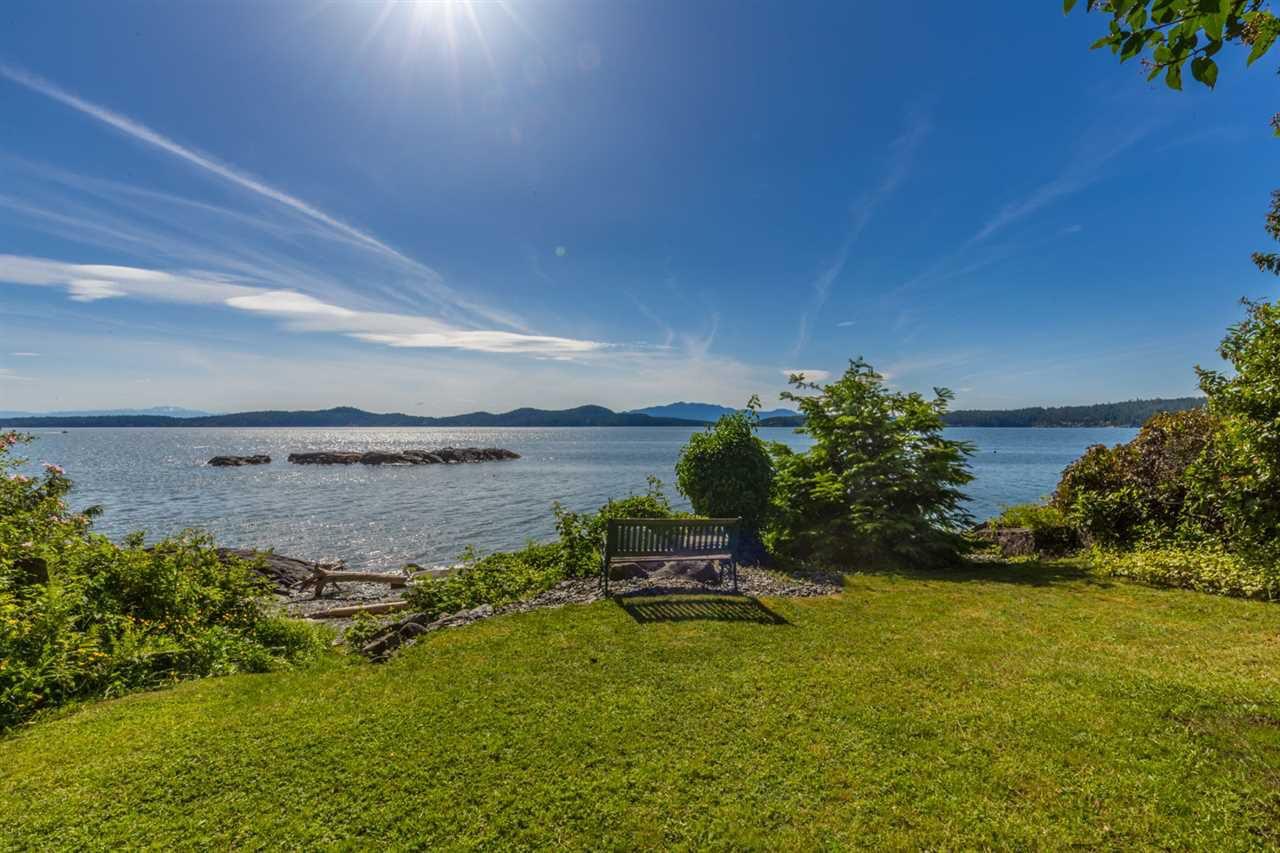 Photo 3: Photos: 8605 REDROOFFS Road in Halfmoon Bay: Halfmn Bay Secret Cv Redroofs House for sale (Sunshine Coast)  : MLS®# R2236253