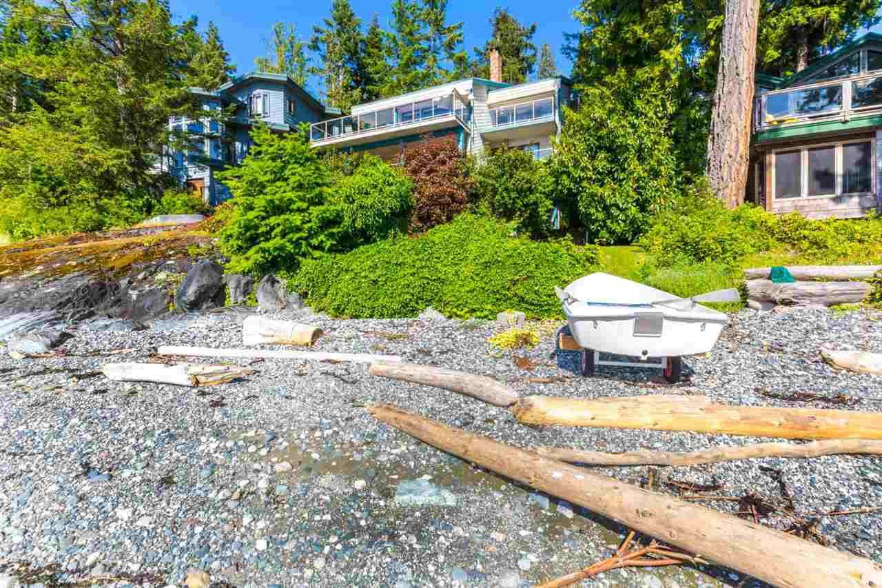 Photo 4: Photos: 8605 REDROOFFS Road in Halfmoon Bay: Halfmn Bay Secret Cv Redroofs House for sale (Sunshine Coast)  : MLS®# R2236253