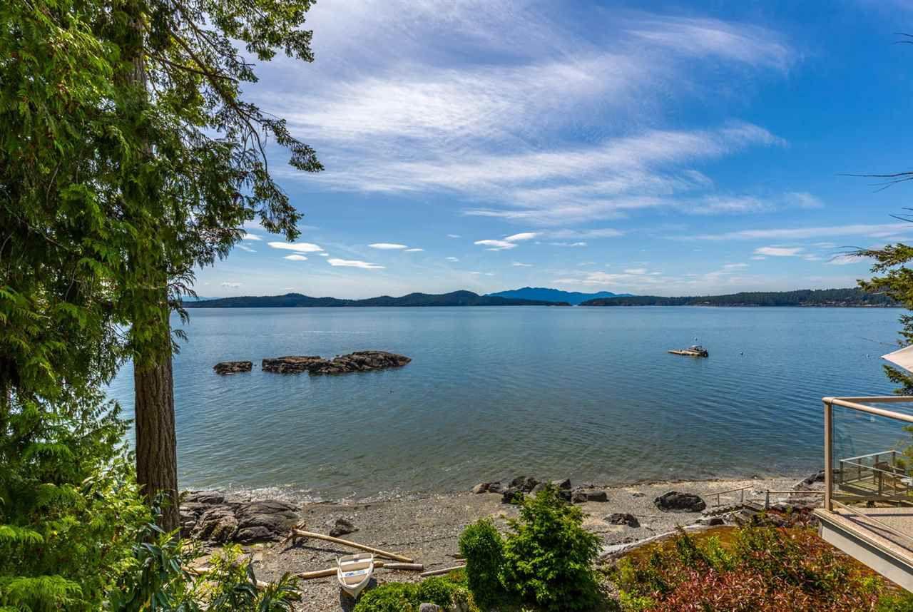Photo 2: Photos: 8605 REDROOFFS Road in Halfmoon Bay: Halfmn Bay Secret Cv Redroofs House for sale (Sunshine Coast)  : MLS®# R2236253