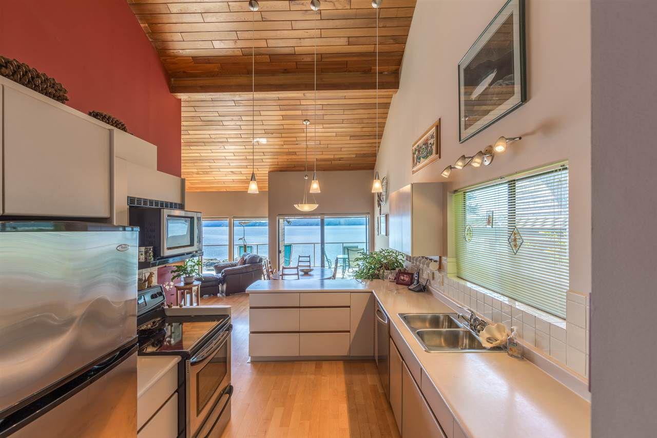 Photo 9: Photos: 8605 REDROOFFS Road in Halfmoon Bay: Halfmn Bay Secret Cv Redroofs House for sale (Sunshine Coast)  : MLS®# R2236253