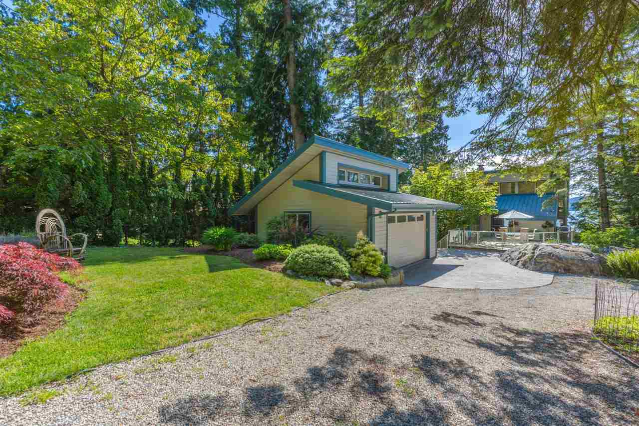 Photo 5: Photos: 8605 REDROOFFS Road in Halfmoon Bay: Halfmn Bay Secret Cv Redroofs House for sale (Sunshine Coast)  : MLS®# R2236253