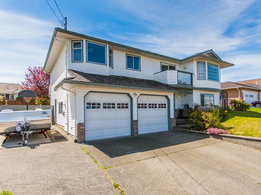 Main Photo: 6321 Dover Rd in Nanaimo: House for sale : MLS®# 373868