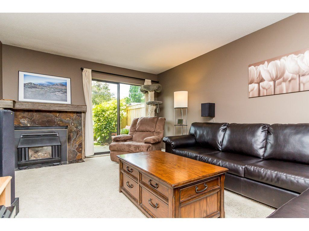 """Main Photo: 117 2533 MARCET Court in Abbotsford: Abbotsford East Townhouse for sale in """"Old Yale Estates"""" : MLS®# R2284628"""