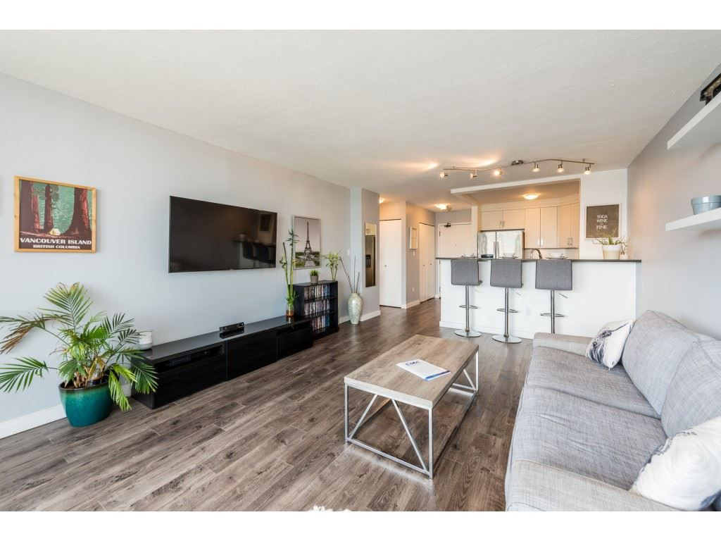 "Main Photo: 1707 2041 BELLWOOD Avenue in Burnaby: Brentwood Park Condo for sale in ""Anola Place"" (Burnaby North)  : MLS®# R2387455"