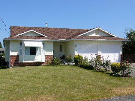 Main Photo: 31931 Glenwood Ave: House for sale (Abbotsford West)
