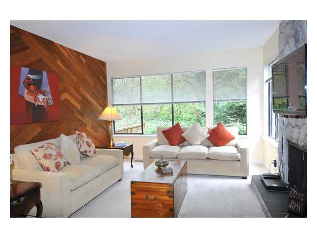 """Main Photo: 4751 FERNGLEN Place in Burnaby: Greentree Village Townhouse for sale in """"GREENTREE VILLAGE"""" (Burnaby South)  : MLS®# V884972"""