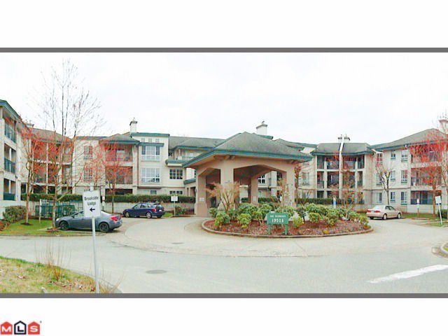 Main Photo: 202 19528 FRASER Highway in Surrey: Cloverdale BC Condo for sale (Cloverdale)  : MLS®# F1207837
