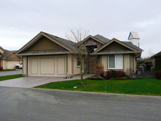 Main Photo: 15 3348 MT. LEHMAN Road in ABBOTSFORD: Abbotsford West Townhouse for rent (Abbotsford)