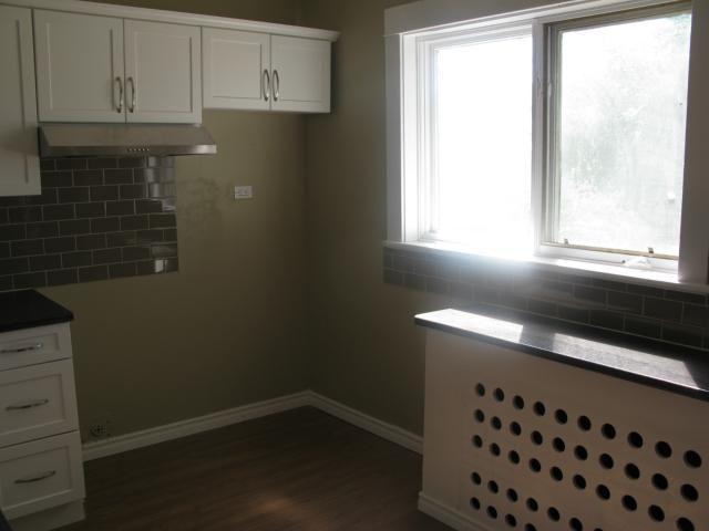Photo 7: Photos: 886 Sherburn Street in WINNIPEG: West End / Wolseley Single Family Detached for sale (West Winnipeg)  : MLS®# 1315241