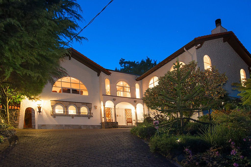 Main Photo: 573 ST GILES Road in West Vancouver: Glenmore House for sale : MLS®# V1084680