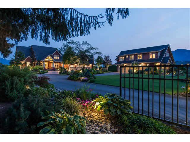 Main Photo: 41820 SOUTH SUMAS Road in Sardis: Greendale Chilliwack House for sale : MLS®# H2153154