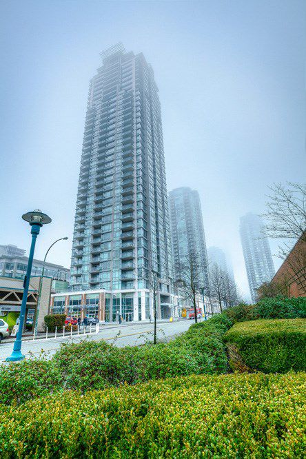 "Main Photo: 4203 2955 ATLANTIC Avenue in Coquitlam: North Coquitlam Condo for sale in ""THE OASIS"" : MLS®# R2023186"