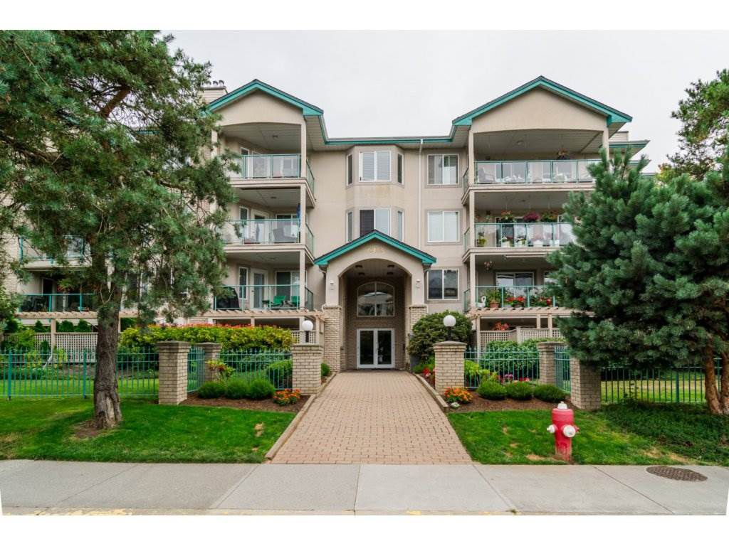 "Main Photo: 209 20443 53 Avenue in Langley: Langley City Condo for sale in ""COUNTRYSIDE ESTATES"" : MLS®# R2096431"