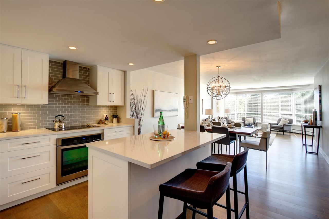 """Main Photo: 607 518 MOBERLY Road in Vancouver: False Creek Condo for sale in """"Newport Quay"""" (Vancouver West)  : MLS®# R2106407"""